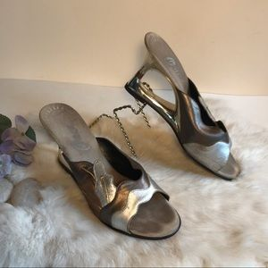 Onex Leather Wedge Sandals Silver Bronze Leaf 7
